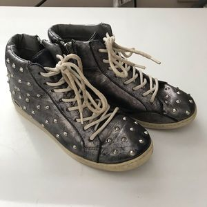 Steve Madden Fashionable Studded Sneakers